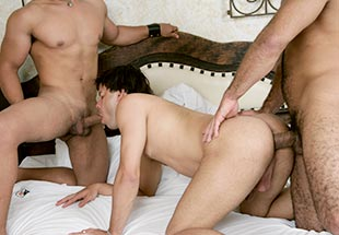 Bareback Threesome at the Bedroom